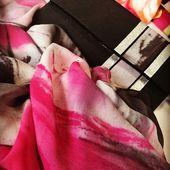 Création MiLauRe . . #concepstoreparis #concepstoreluxury #createurfrancais #faitmain #fiftyyearsofawoman #rueilmalmaison #rueilcommercesplus #silkmasterpiece